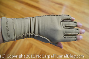 Isotoner therapeutic gloves, RSI, carpal tunnel